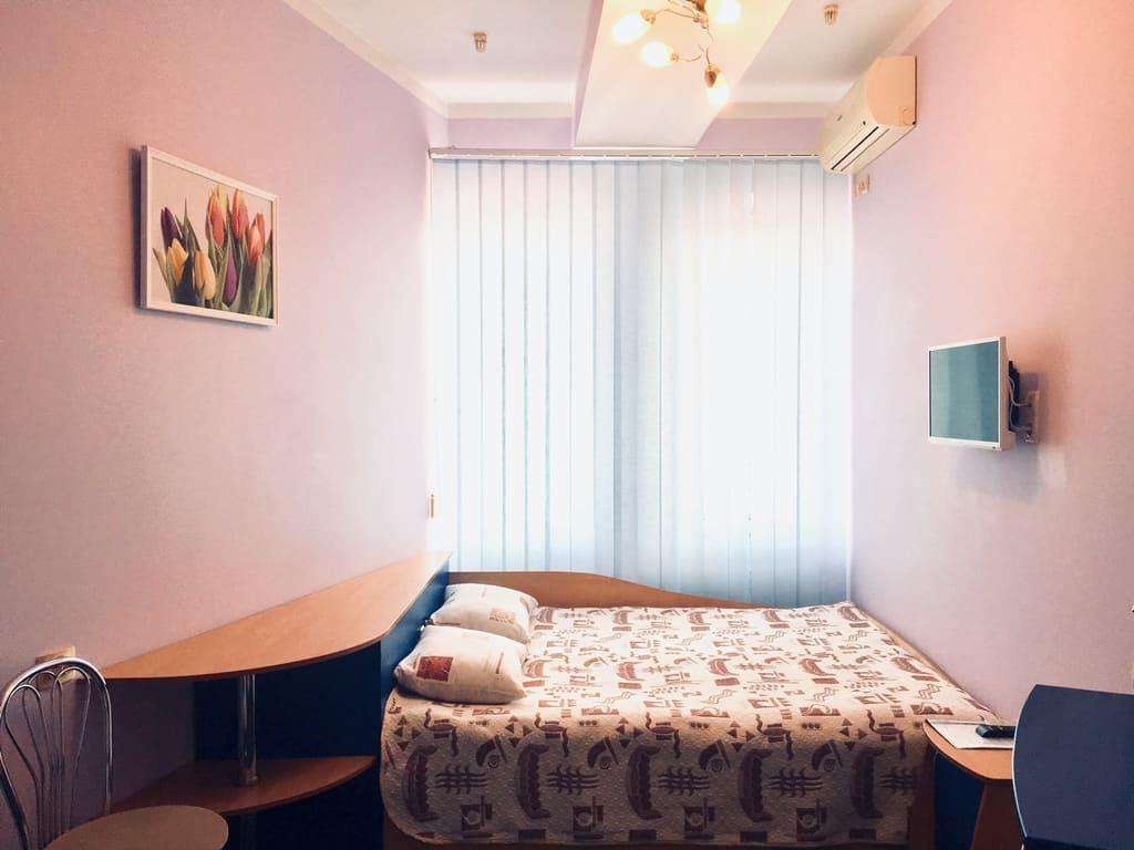 Забронировать отель в Алуште
